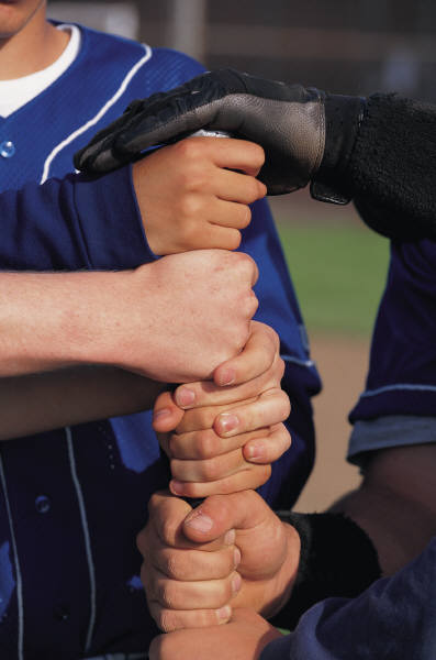 softball hands on bat.jpg